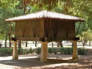 Hórreo del Parque del Alamillo
